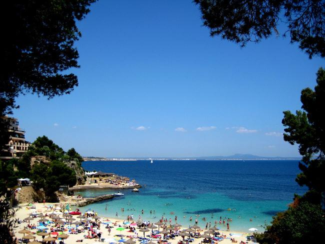 Playa-de-illetas-palma-de-mallorca-espana1