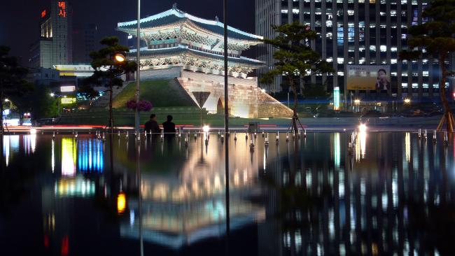 Brama Namdaemun w Seulu